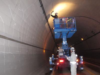 トンネル点検調査イメージ1